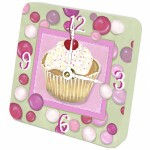 Sm Wood Clock  Cupcakes